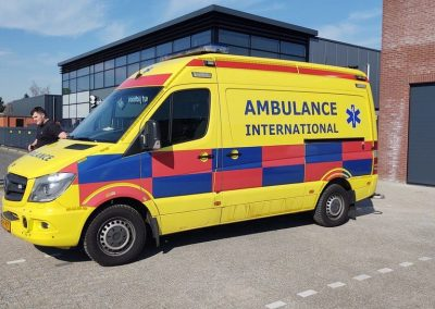 Belettering Auto Ambulance International Zijkant Voor Links